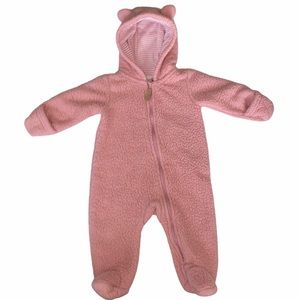 ⭐️3/$29⭐️ baby girl bear winter suit